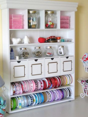 Ribbons..!!: Crafts Stations, Ribbons Storage, Crafts Rooms Storage, Gifts Wraps, Rooms Ideas, Sewing Rooms, Storage Ideas, Rooms Organizations, Wraps Stations