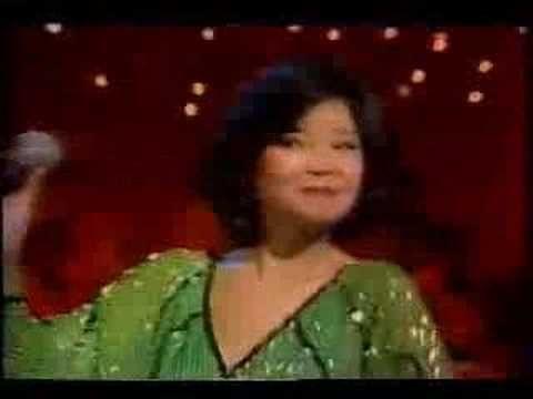 Tian Mi Mi - Teresa Teng  https://www.youtube.com/watch?v=SE-HlEG9m7I&list=RD-eTVZ2oNgto