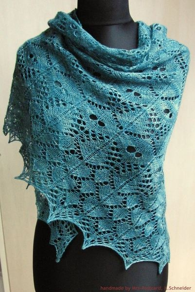 klassisches Dreieckstuch / Schulter-Tuch / Stola mit tollem Lace-Muster in einem fröhlichen grün    Tuch SAMEIS  ein richtiger Hingucker!     Desig...