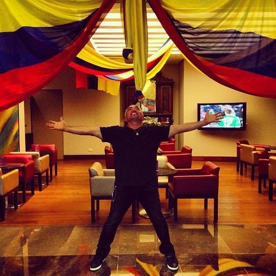 @Cesar Millan: Colombia estoy aquí!!!!! #liderdelamanada #colombia #tour #travelpics