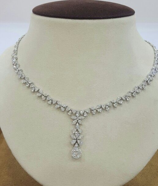 Diamonds necklace