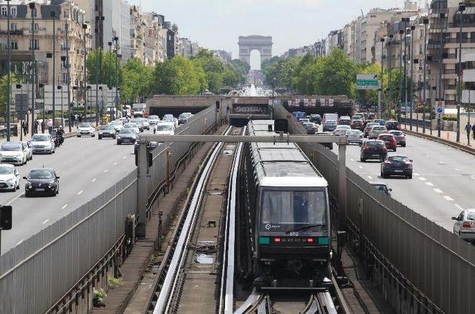 RATP : le trafic reprend sur la ligne 1 du métro après une panne «historique»