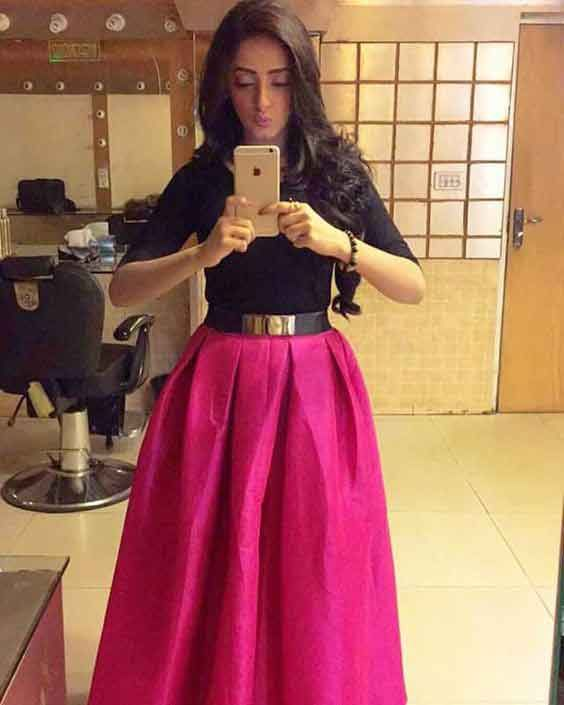 b7d730e7194564 Latest Pakistani Long Skirts For Girls In 2019