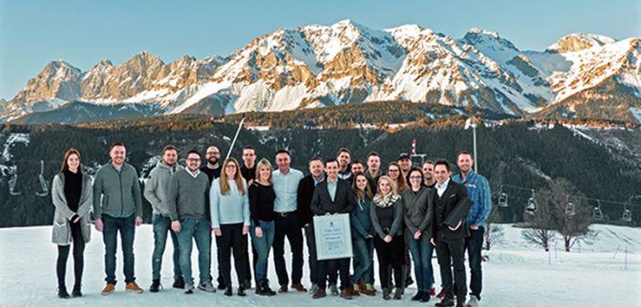 BRANCHENNEWS: Das Wintertreffen der DER KREIS Junioren in Schladming http://www.wohnendaily.at/2018/02/das-wintertreffen-der-der-kreis-junioren-in-schladming/?utm_content=buffer56da6&utm_medium=social&utm_source=pinterest.com&utm_campaign=buffer