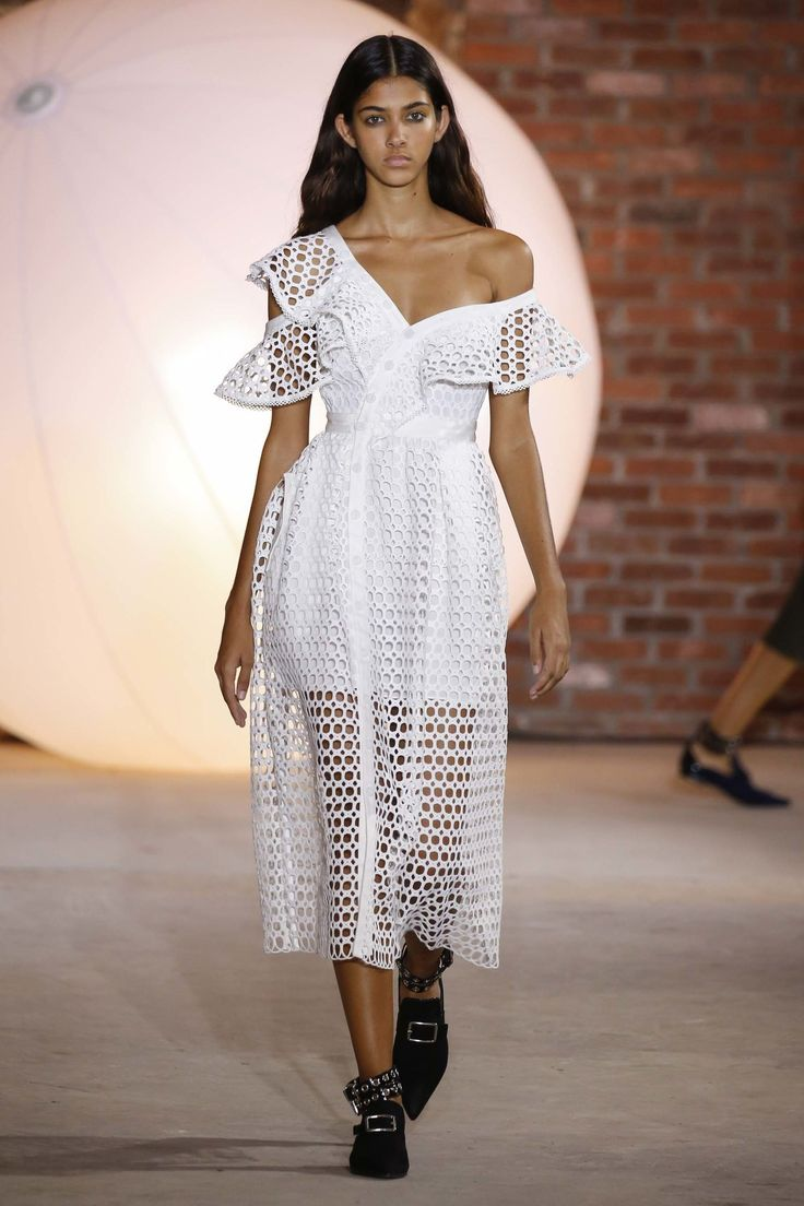 Self-Portrait New York Spring/Summer 2017 Ready-To-Wear Collection | British…