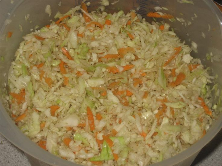 Amerikai kápostasaláta (coleslaw) készítése