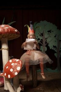 How to Make a Giant Fake Mushroom Out of Paper Mache >> This would be a really fun set up for a kids photo shoot!