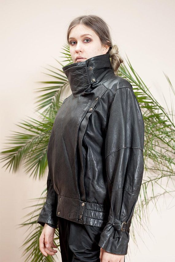 Retro 80s biker short jacket for women size Medium  Large Vintage genuine leather jacket