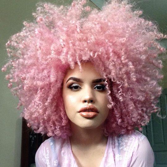 Coloration rose cheveux crépus bouclés http://amzn.to/2t7UW3z