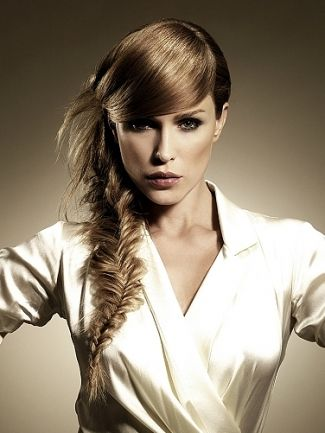Google Image Result for http://your-hairstyles.com/img/arts/2010/Jul/31/290/fishtailbraid_thumb.jpg