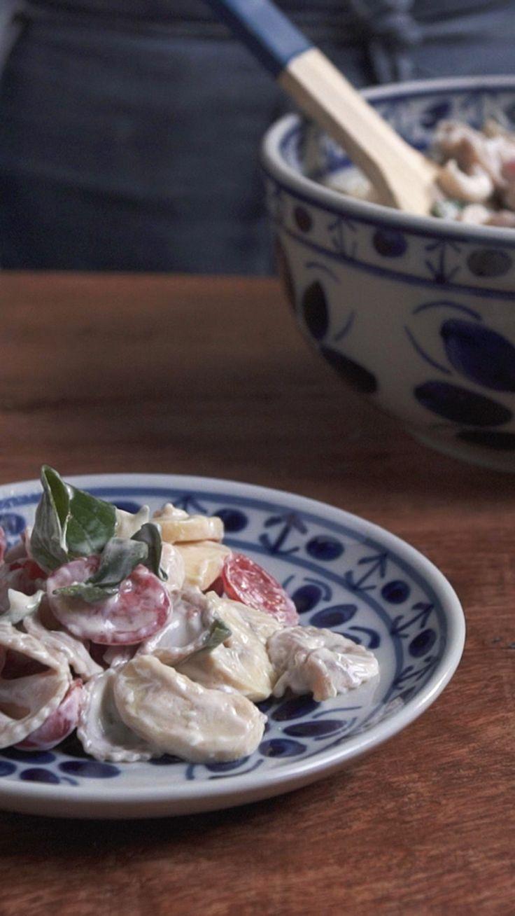 Que tal preparar uma salada de macarrão prática, refrescante e super gostosa?