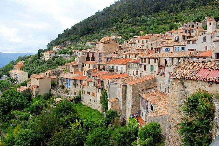 Peille et les grottes des Grimaldi : Les plus beaux villages perchés de France - Linternaute