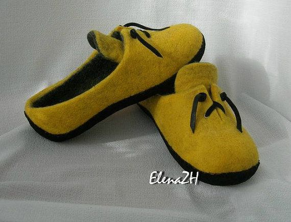 Felted wool shoes. Women house slippers. Made to от FlowDream