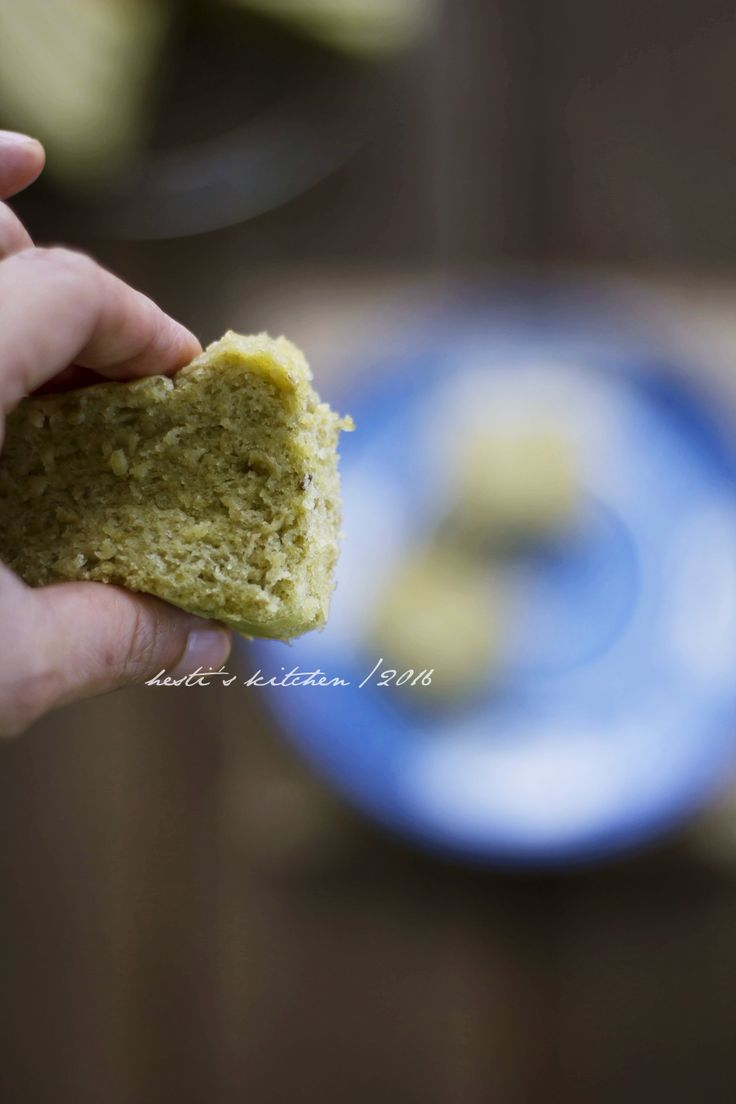 Setelah kemarin membuat cake kukus labu gluten free hari ini coba cake kukus kacang hijau. Bukannya lagi keranjingan yang kukus kukus tap...
