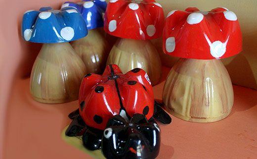 Поделки для сада: грибочки из пластиковых бутылок