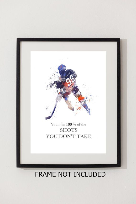Pour la vente directe de lartiste Original Art Print de Wayne Gretzky Quote illustration réalisée avec des techniques mixtes et un Design contemporain « Vous manquez 100 % des coups de feu que vous ne prenez pas » Collectable fine art print Signée et datée au dos IMAGE ET MONTAGE NON INCLUS Filigrane ne sera pas visible sur votre impression Collectable oeuvre actuellement en vente dans le monde entier Cadeau idéal Imprimées sur du papier photographique de haute qualité 280gsm Emballés...