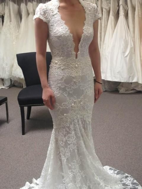KIRST - GORGEOUS!! Berta Bridal 14-04 Size: 8  Paid:$6000, Sell: $2500 See: www.oncewed.com (USA)  Will sell to anywhere