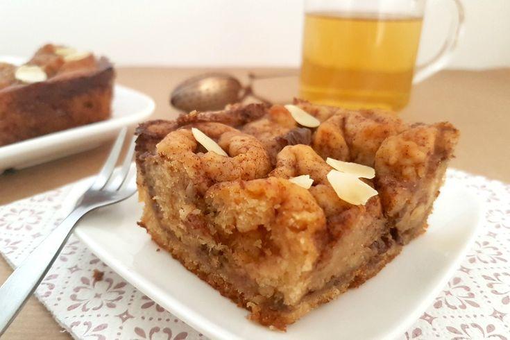 Fiadoe is een rijk gevulde Surinaamse taart met o.a. rumrozijnen en kaneel. Normaal met boter, melk en ei, maar met ons recept helemaal plantaardig (vegan)!
