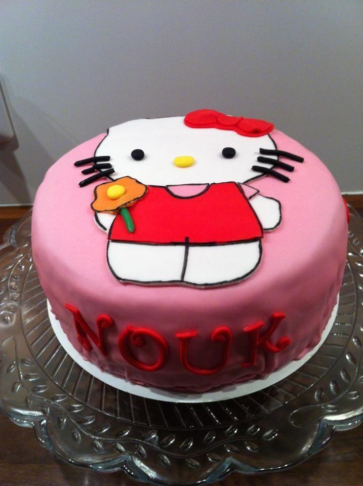 Hello Kitty taart.
