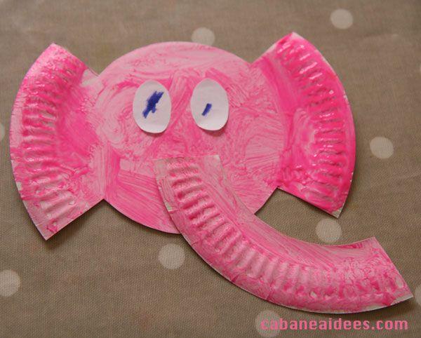 Une tête d'éléphant dans une assiette en papier  Une autre utilisation des assiettes en carton. Ma fille a adoré !