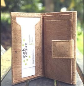Great vegan wallet. Sustainable, fashionable and stylish.