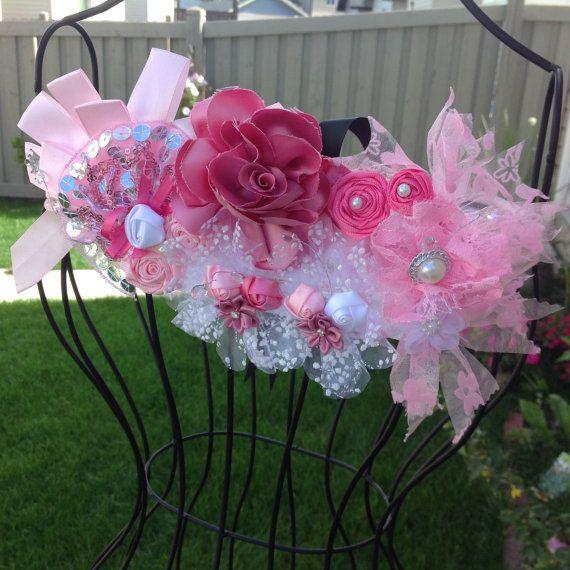 Pink and White Maternity Sash. Lace Sashes. por SweetHadas en Etsy