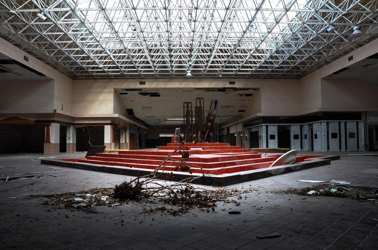 Des centres commerciaux abandonnés révèlent une autre facette de la surconsommation (PHOTOS)