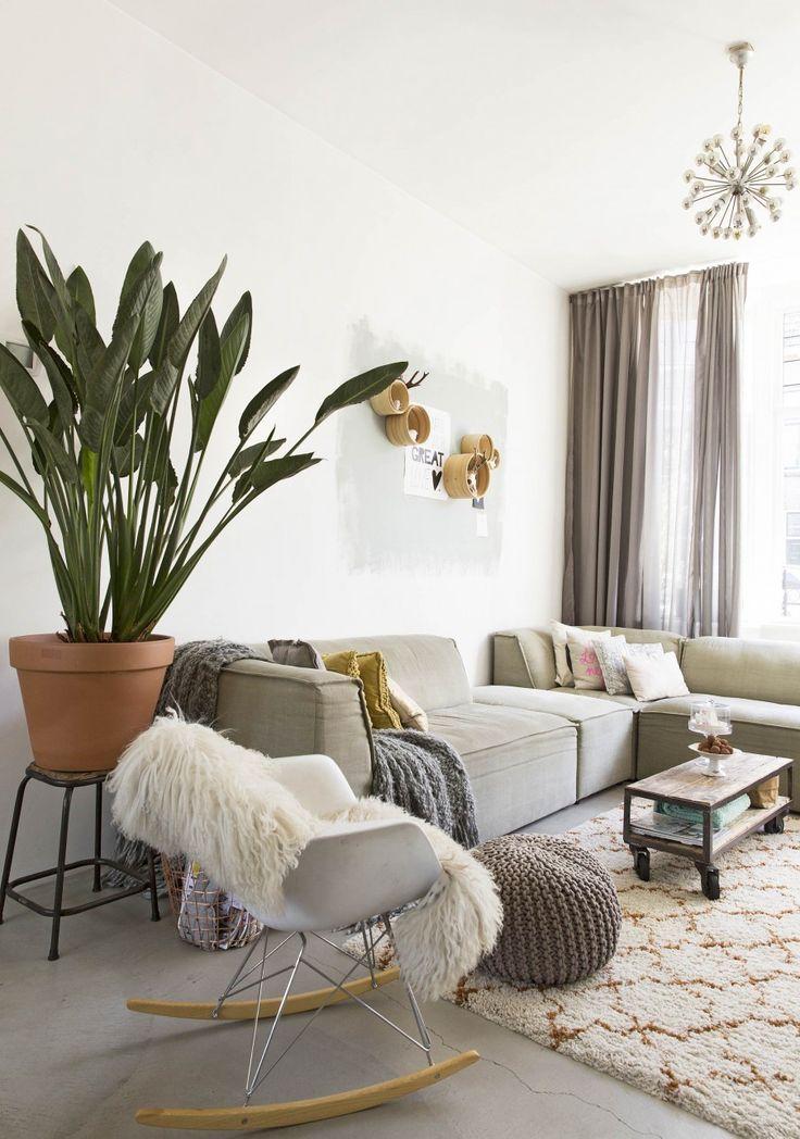 mur bicolor; appartement style scandinave; mur en brique; mélange de styles en déco; idées pour agencer un appartement; séjour scandinave; inspiration décor bohème; cuisine ouverte sur séjour; mais…