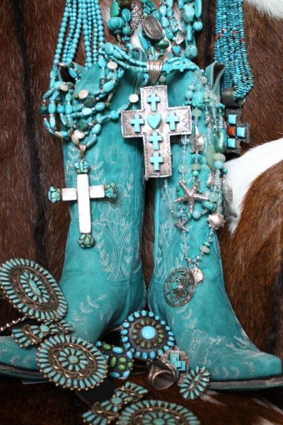 I never get tired of turquoise!