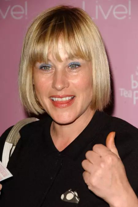 Patricia Arquette talks about her crooked teeth in male dominated  society.