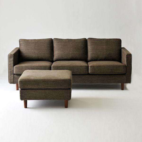 Fair fax 3seat sofa / feather bag/ミッドセンチュリーテイストを取り入れたデザインのソファです。 座面のクッションにはしっかりとした座り心地の高密度ウレタンを使用。 背中のクッションには体をゆったりと支えるハンガリー産高級フェザーを使用。#家具  #北欧  #デザイン #目黒 #インテリア #ソファ #ライフスタイル #高密度ウレタン #高級フェザー