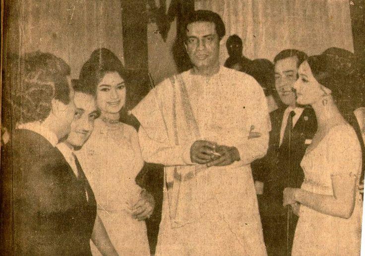 raj-aur-nargis:  Simi Garewal, Satyajit Ray, Raj Kapoor and Ksenia Riyabinkina.