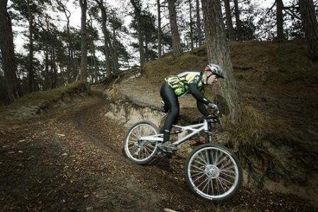 Op een pannekoek kun je niet bouwen zei ons moeke altijd, maar hoe plat Nederland ook is, als mountainbiker vallen er genoeg gebieden te overwinnen. Natasha Bloemhard van Salt Magazine tipt de leukste fietsroutes...