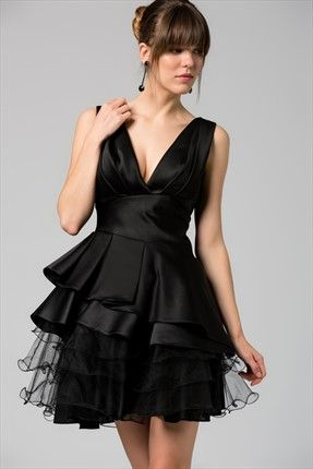 Tütülü Saten Siyah Elbise
