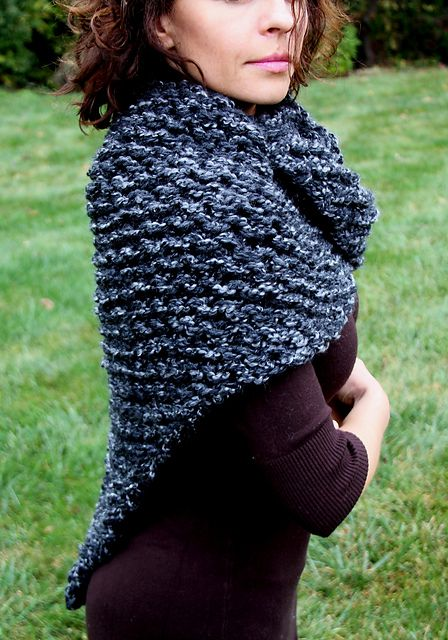 Ravelry: Outlander inspired shawl shoulder wrap pattern by Esther Po