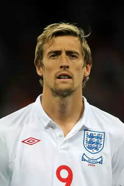 77 PETER CROUCH 42 APPS  22 GOALS FORWARD