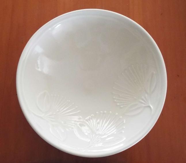 Large+NZ+Ceramic+Pohutukawa+Bowl  http://www.shopenzed.com/large-nz-ceramic-pohutukawa-bowl-xidp1356817.html