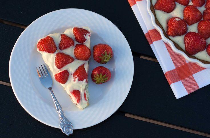 Opskrift på hjemmelavet Jordbærte - som fra bageren