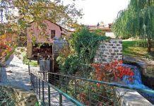 Το «Μάντσεστερ της Ελλάδας»: Η παραμυθένια πόλη με τα ποτάμια, τους καταρράκτες και τα ομορφότερα παλιά σπίτια!