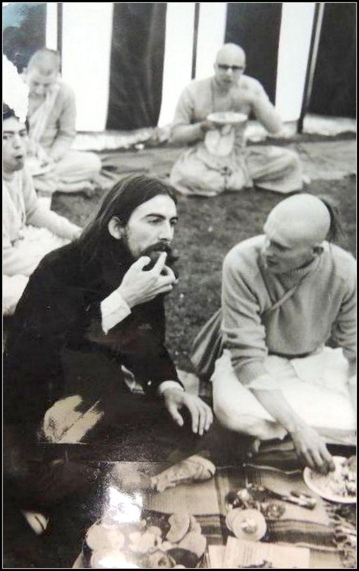 Om hari om radha krishna Om hari om rama radha Om hari om bala shiva Om hari om rama sita Om hari om gopala krishna Govinda jai gopala jai jaya