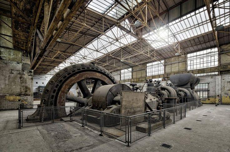 Maschinenhalle Henrichshütte Hattingen - 150 Jahre wurde hier Eisen und Stahl produziert. Hier steht der älteste Hochofen im Ruhrgebiet, von dem eine großartige Aussicht genossen werden kann!
