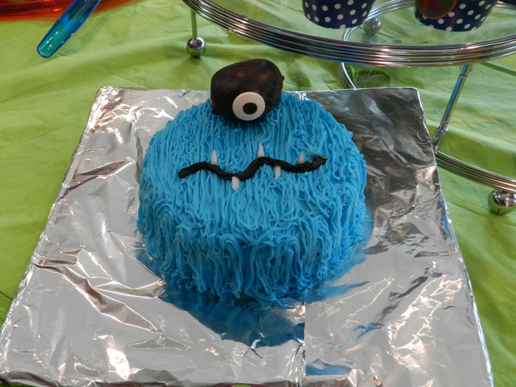 kavi's mini monster cake