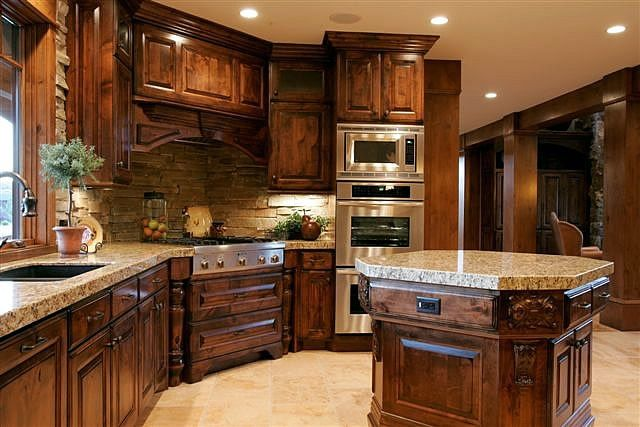 Lane Myers Construction Custom Home Builder Mountain Ranch Homes Kitchen Granite Countertops Dark Cabinetry Stainless Steel Appliances