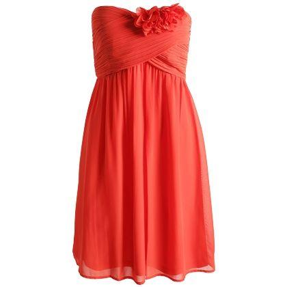 Opzoek naar dat ene jurkje, dat perfect is voor elke gelegenheid. Deze mooie rode bustier jurk van Espirt is zo'n jurkje. Shop hier vanaf: € 99,99