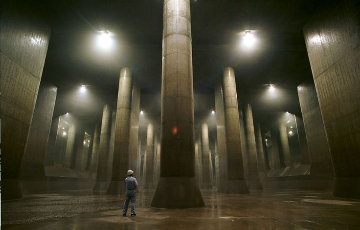 To avoid floodings on typhoon season, the city of Saitama in Japan features an impressive storm sewer system composed of giant concrete silos (65m tall, 32m wide) connected by 6.4km of underground tunnels, 50m below the surface.