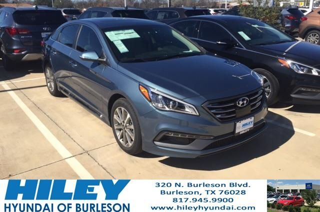 Here we have a beautiful 2017 Hyundai Sonata Limited in Nouveau Blue, it is also stocked with both our Tech and Ultimate packed! Loaded with everything from heated front and back seats, to sunroof, to Premium Infinity Speakers!  https://deliverymaxx.com/DealerReviews.aspx?DealerCode=KNWA  #HyundaiSonata #Hyundaisedan #HileyHyundai #newHyundai #FortWorth #HileyHyundaiofBurleson