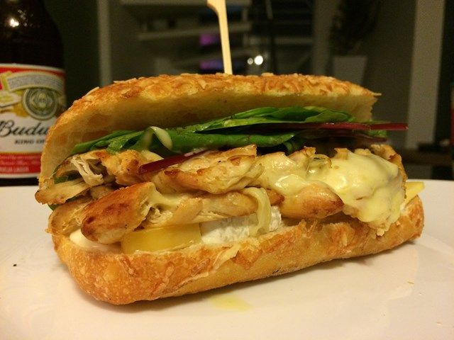 Pão tipo Subway de parmesão e orégano