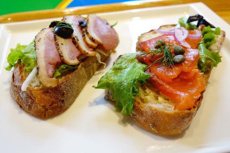 デンマークのサンドイッチスモーブロー鴨とスモークサーモンお酒にすごく合いそうな味美味しかった @eurocka1211 さん情報ありがとうございました #meallog #food #foodporn #tw #legoland #legolandjapan #レゴランド #レゴランドジャパン