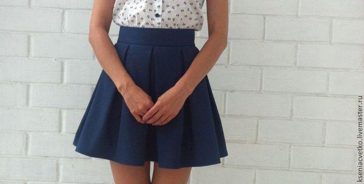 Купить юбка в складку с карманами - тёмно-синий, однотонный, юбка в складку, юбка с карманами