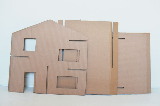 diy: recycled cardboard dollhouse